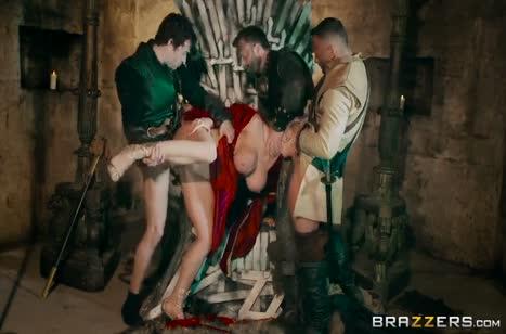 Смачное групповое порно во все дырки