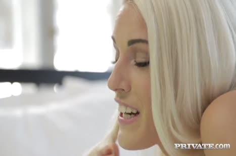 Пока муж в командировки его красотка жена кувыркается с другим