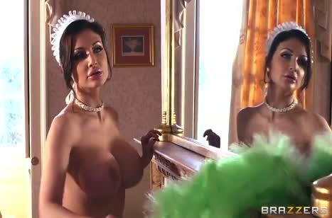 Аппетитная Aletta Ocean в секс наряде обожает анальное порно