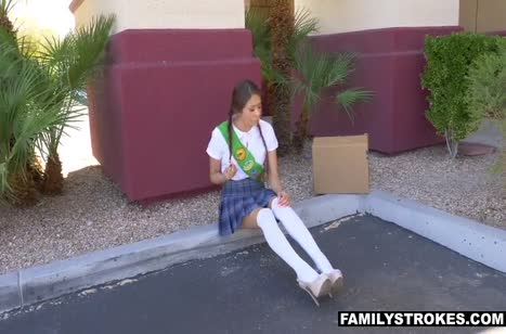 Подвез студентку и раскрутил ее на порно