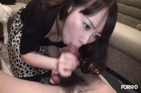 Домашнее порно с красивой азиаточкой Minami Kobayashi