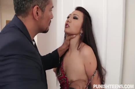 Муж жестко наказывает Miko Dai за извращения