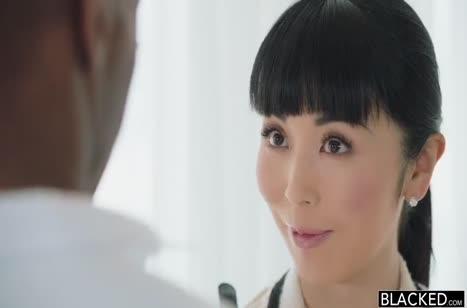 Хрупкая Marica Hase офигела от гигантского черного пениса