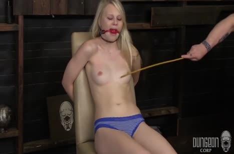 Бедная Lily Rader офигела от БДСМ порно