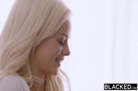 Красотка Elsa Jean изнывает от оргии с негром