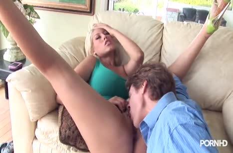 Сочная блондинка Bridgette B соблазнила очкарика