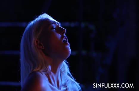 Романтическое порно с красоткой Lovita Fate