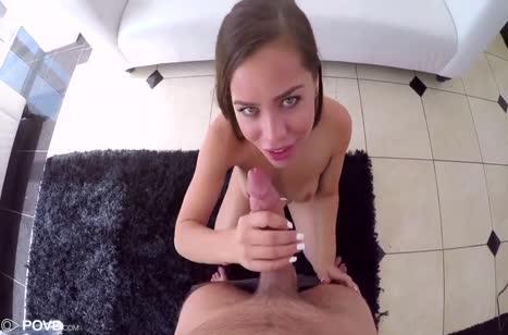 Развратная Alina Lopez рада опробовать большой член