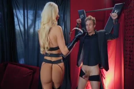 Роскошная мамка Nicolette Shea устраивает фетиш порно