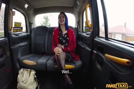 Эмо сучку прямо в машине отодрали в анал