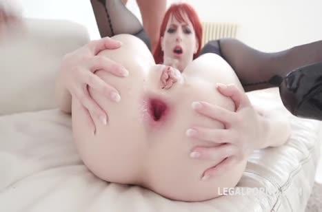Рыжей Alex Harper влезают по два пениса в жопу