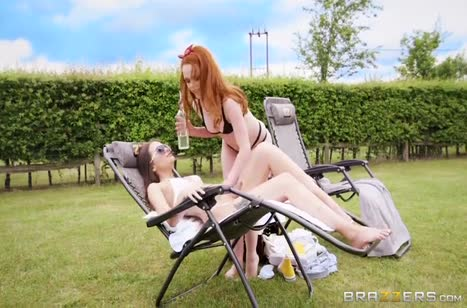 Ella Hughes и Gia Paige развели соседа на порно