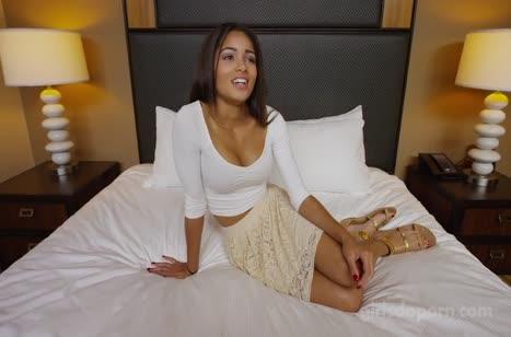 Латиночка с большими сиськами снялась в домашней порнухе