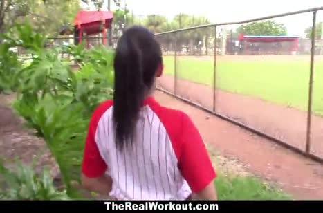 Бейсболистку Priya Price смачно прут после игры