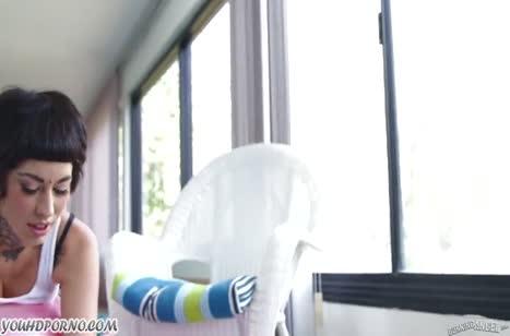 Порно с горячей спортсменкой в лосинах Aayla Secura