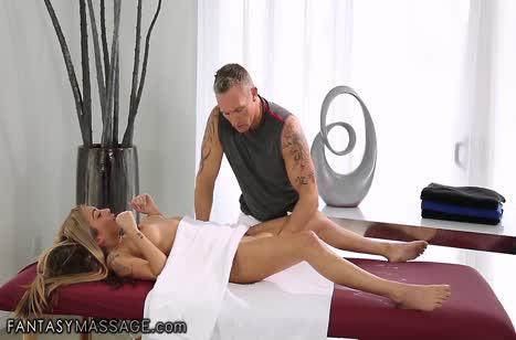 Блондинка Kat Dior испытала жесткий порно массаж