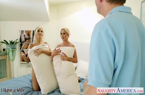 Озорные сисястые блондинки жаждут группового секса