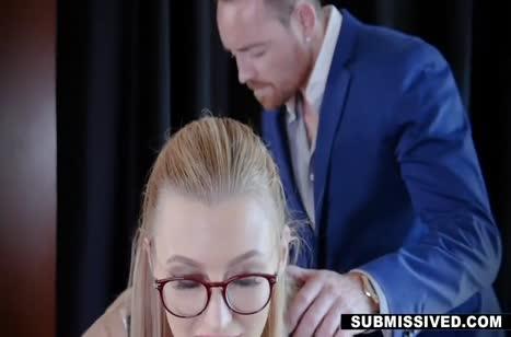 Скромную Alexa Grace директор соблазнил на порно