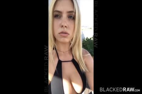 Giselle Palmer с большими сиськами устроила с негром порно