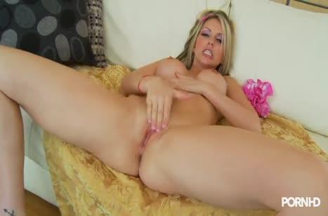 Courtney Cummz затрахали до офигенного оргазма