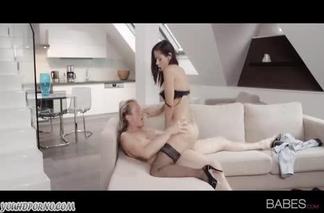 После нежного секса кончил на свою подружку