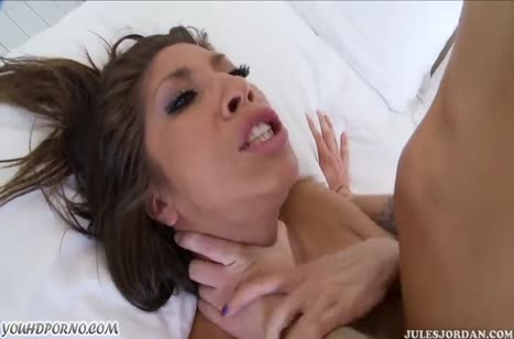 Спортивная Kayla Carrera предпочитает секс задницу