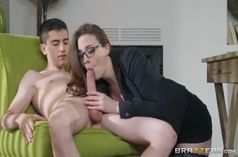 Зрелая Chanel Preston соблазнилась на пенис коллеги
